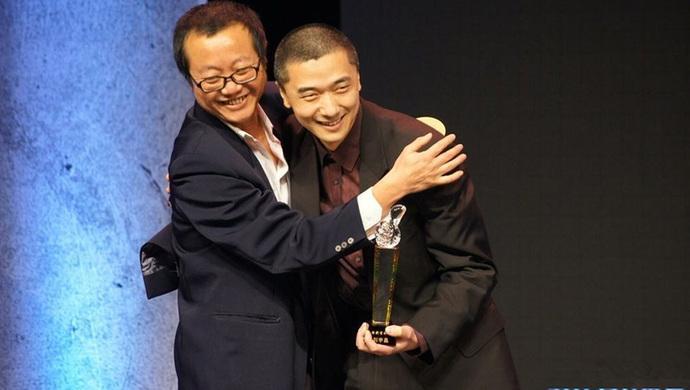 大刘和刘宇昆领奖合影